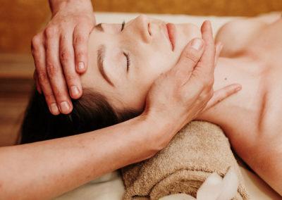 atpalaiduojantis masažas varpui)